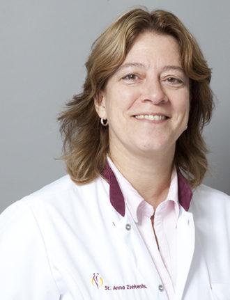 Drs. Karin M. Engelhart