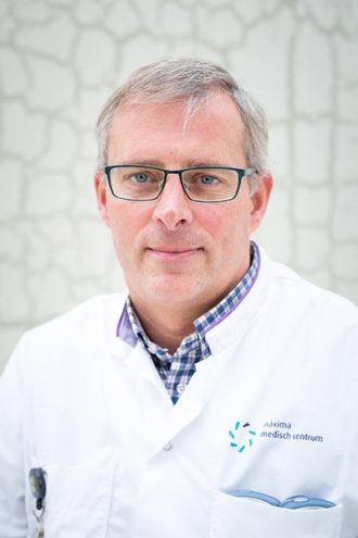 Dr. M.L. Plaisier