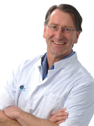 Dr. Alexander A.H. van der Veen