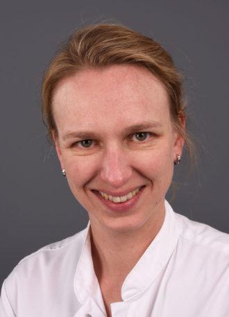 Dr. Karolien M.P.J. Verhoeven