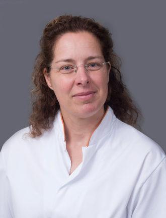 Dr. Ariënne M.W. van Marion