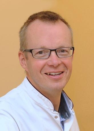 Drs. Ronald M. van Schelven